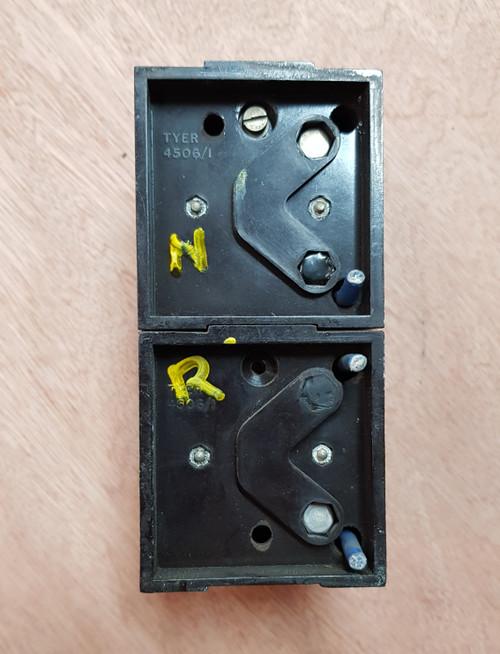 VT 3187.  TYER BAKELITE NORMAL/REVERSE POINTS INDICATORS.