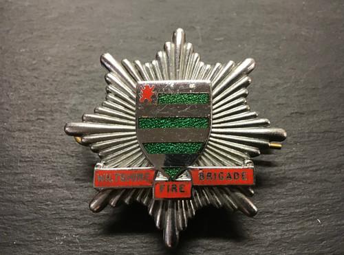 WILTSHIRE FIRE BRIGADE CAP BADGE GD701