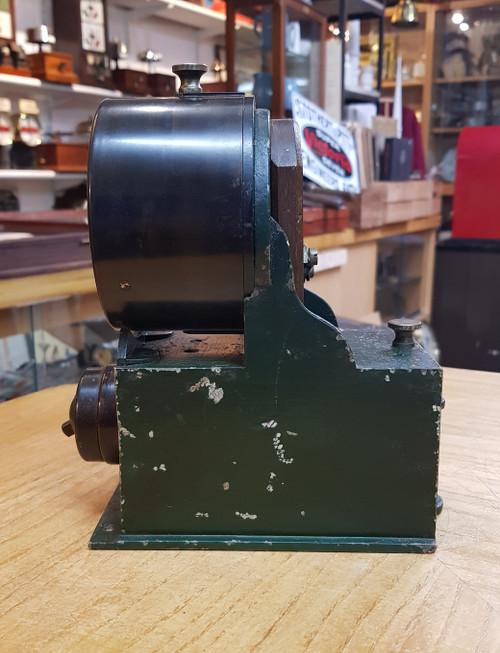 VT 3432. L.N.E.R.  WALTERS MANUFACTURING CO LTD LAMP REPEATER.