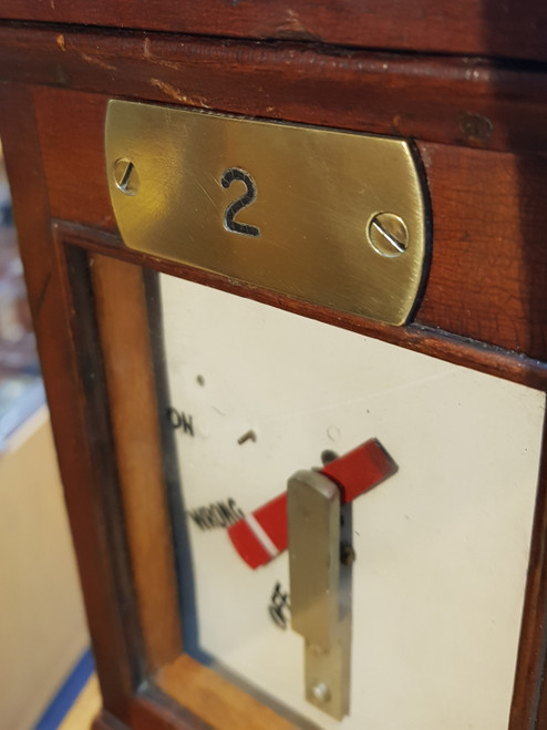 VT 3592. GREAT WESTERN RAILWAY  WOOD CASED SIGNAL ARM REPEATER.