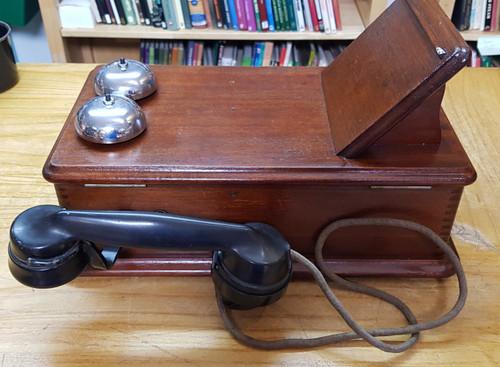 VT 3942.  ERICSSON SIGNAL BOX TELEPHONE WITH WRITING SLOPE AND HAND GENERATOR.