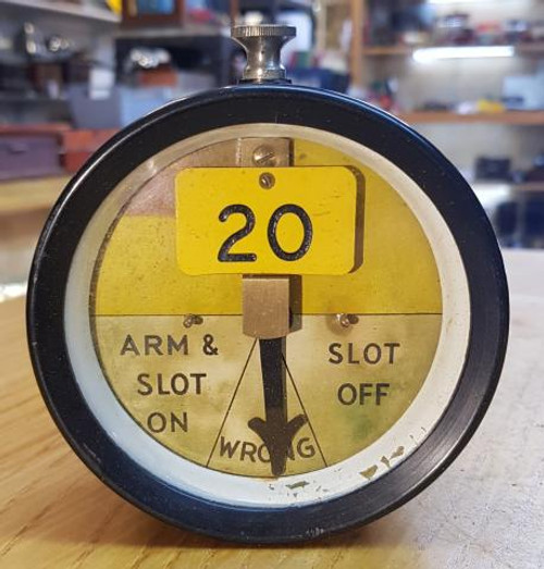 VT2206. R.E.THOMPSON BAKERLITE ARM/SLOT REPEATER,