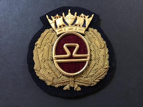 GD 884 MERCHANT NAVY OFFICER CAP BADGE BRITISH RAIL/SEALINK.