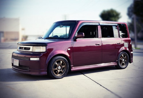 Scion xB 04-07 With Black Trim
