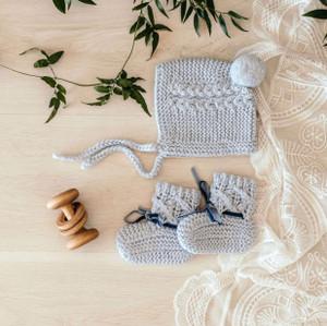 Snuggle  honey   Handmade merino wool grey  bonnet & booties set