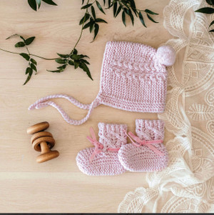 Snuggle honey handmade pink merino bootie & bonnet set