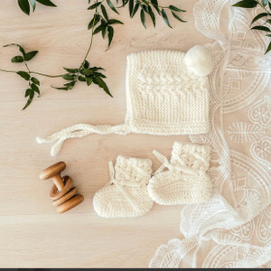 Snuggle honeycream handmade  merino wool bonnet & bootie set
