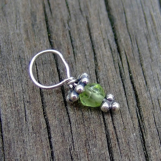Tiny Peridot Gemstone Bead w/Bali Flower (Aug)