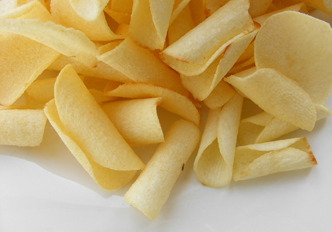 Indian Potato chips.  By Robin - Arrowhead Crisps, CC BY-SA 2.0, https://commons.wikimedia.org/w/index.php?curid=16841363