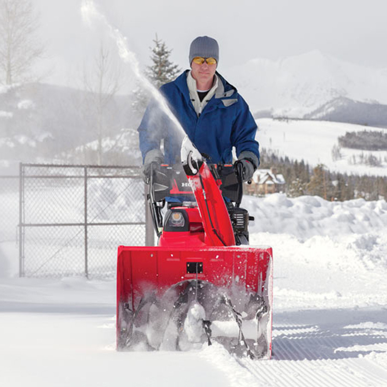 """Honda HSS928AAWD 28"""" Two-Stage Electric/Recoil Start Snowblower Image 2"""