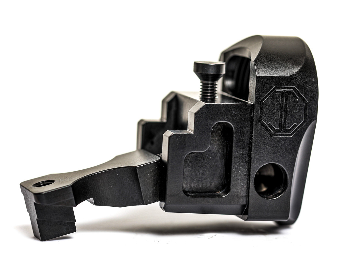 M4-AKM