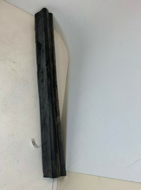 2000 2003 2004 2005 2006 BMW E53 X5 Front Right Side Door Molding Trim 8408706