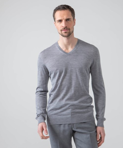 Johnstons Superfine Merino V-Neck Sweater
