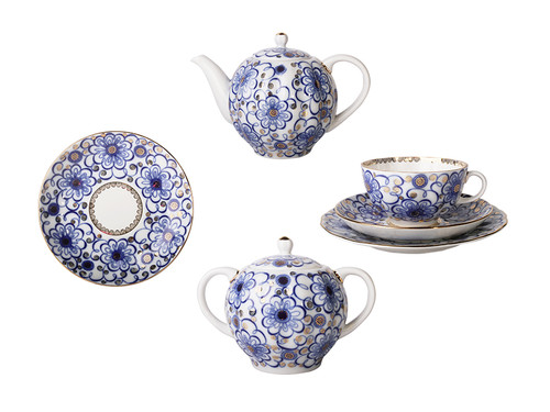 Tea Set in Tulip Shape with Winding Twig Motif