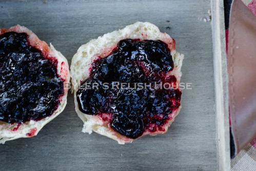 Black raspberry conserve, with no artificial sweeteners