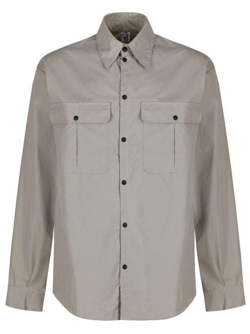 Long sleeved windproof and weatherproof Single Ventile® Shirt with 2 studded chest pockets . Colour: Stone.