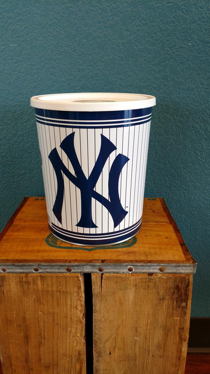 New York Yankees 1 Gallon Popcorn Tin