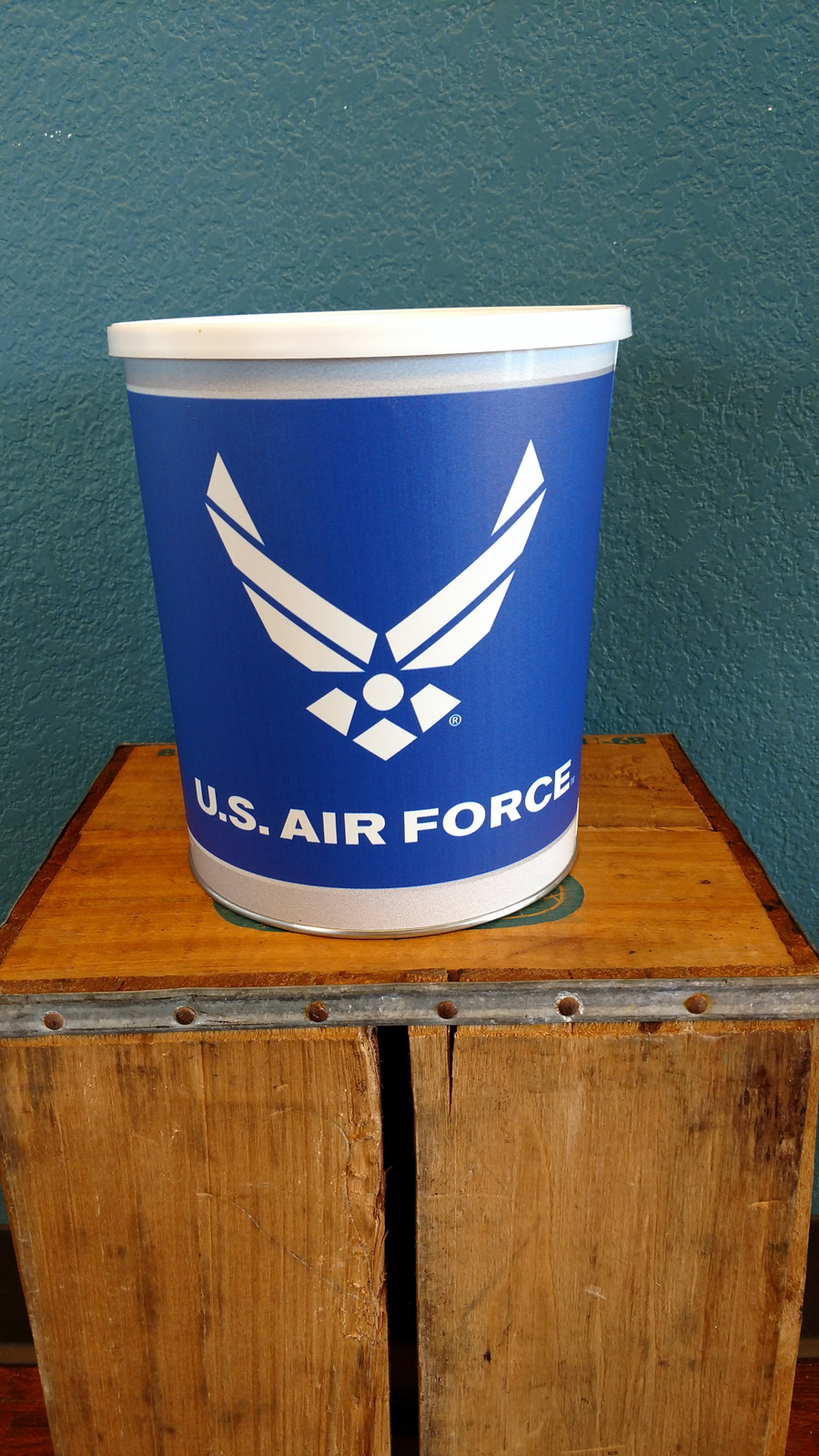 Air Force One Gallon Popcorn Tin
