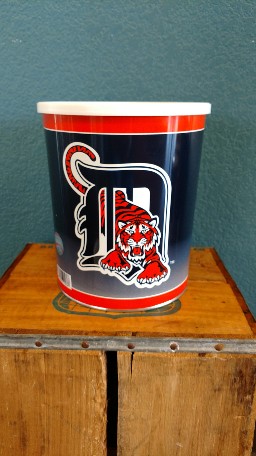 Detroit Tigers 1 Gallon Popcorn Tin