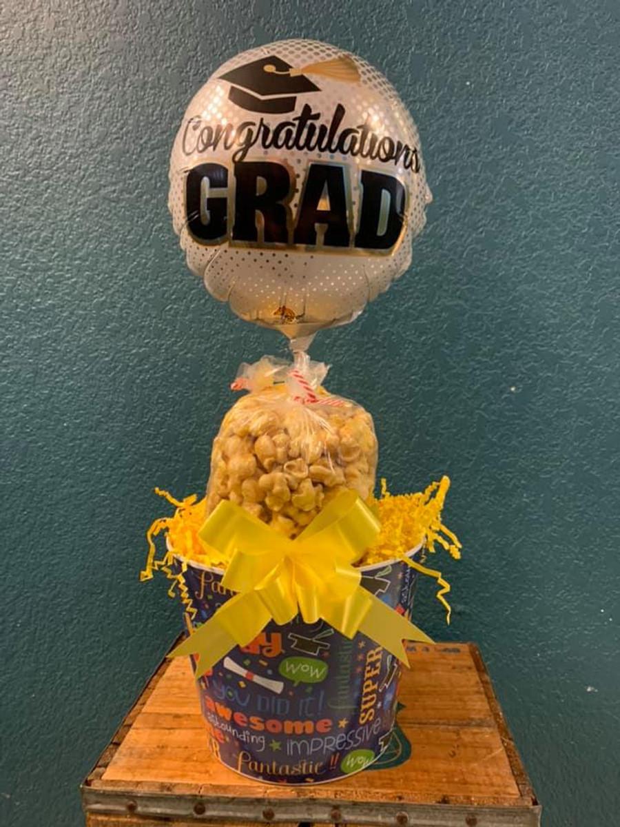 Graduation Bucket w/Cheese & Caramel with Grad Balloon