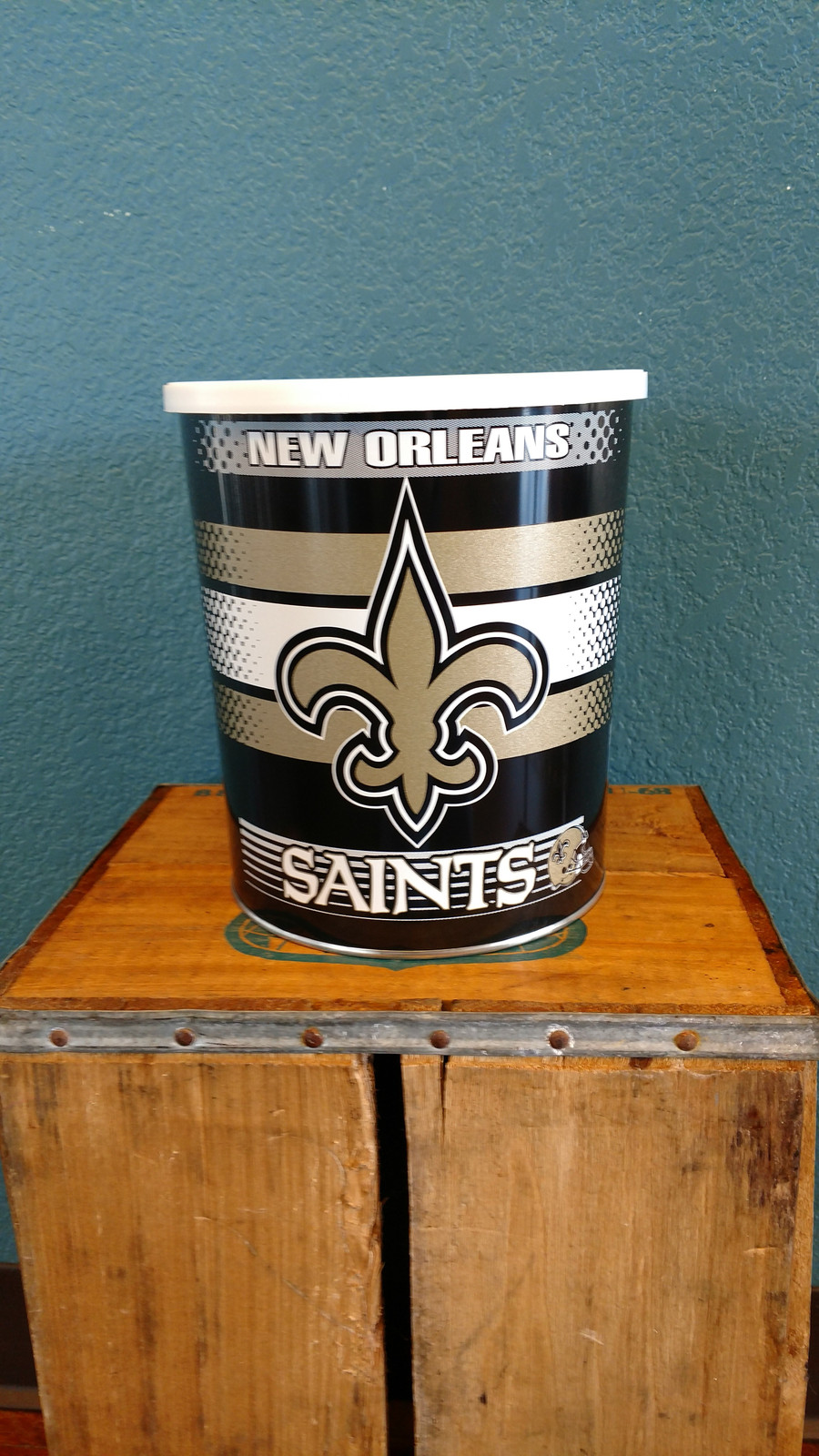 New Orleans Saints One Gallon Popcorn TIn