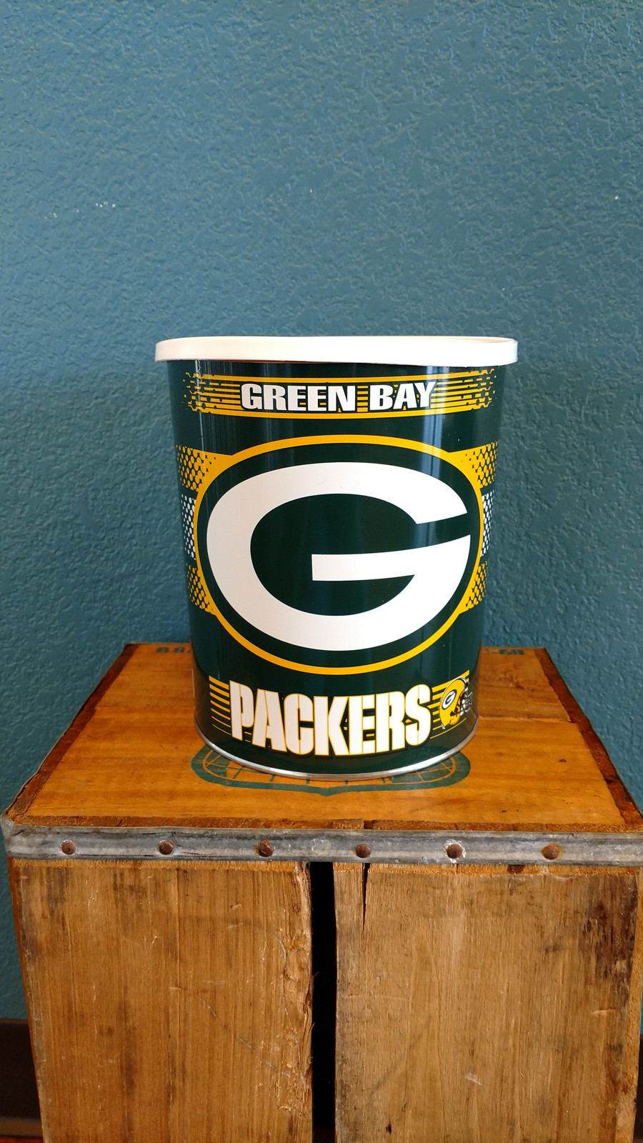 Green Bay Packers One Gallon Popcorn Tin