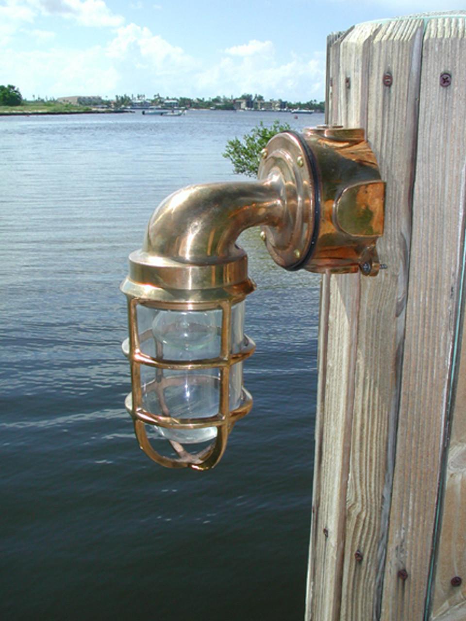 Bronze passageway dock light with no hood