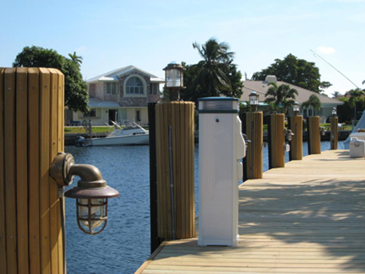 pathway dock lights used to illuminate a dock walkway