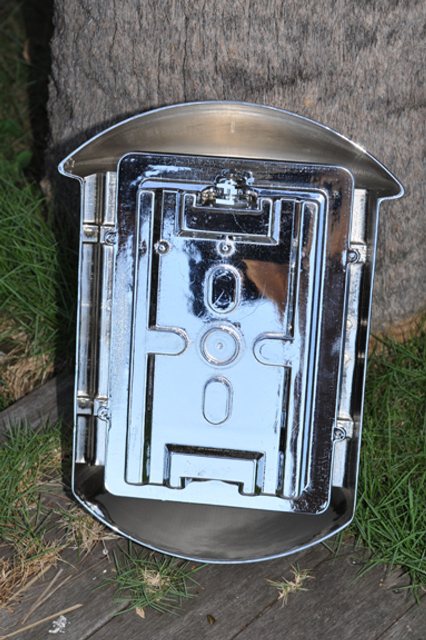 Rear view chrome nautical sconce