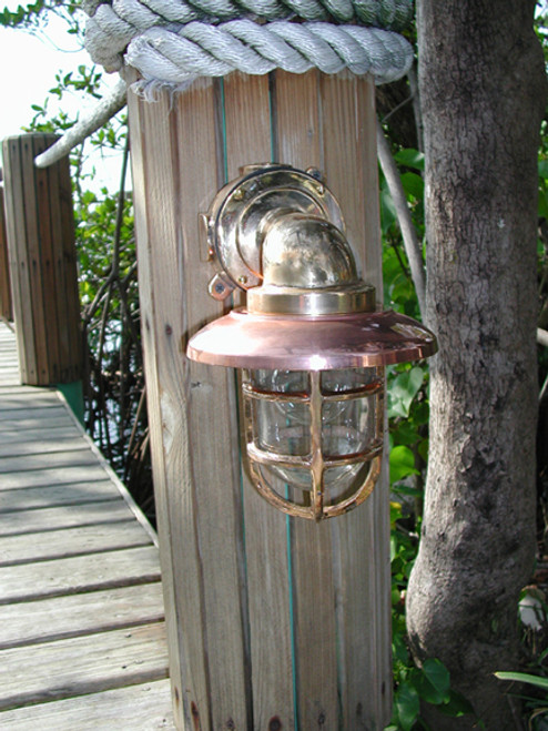 heavy duty medium sized 90 degree dock light with copper hood