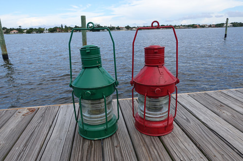 red and green nautical lights