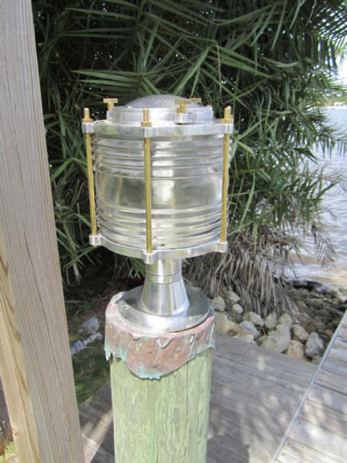 Aluminum nautical pedestal dock light