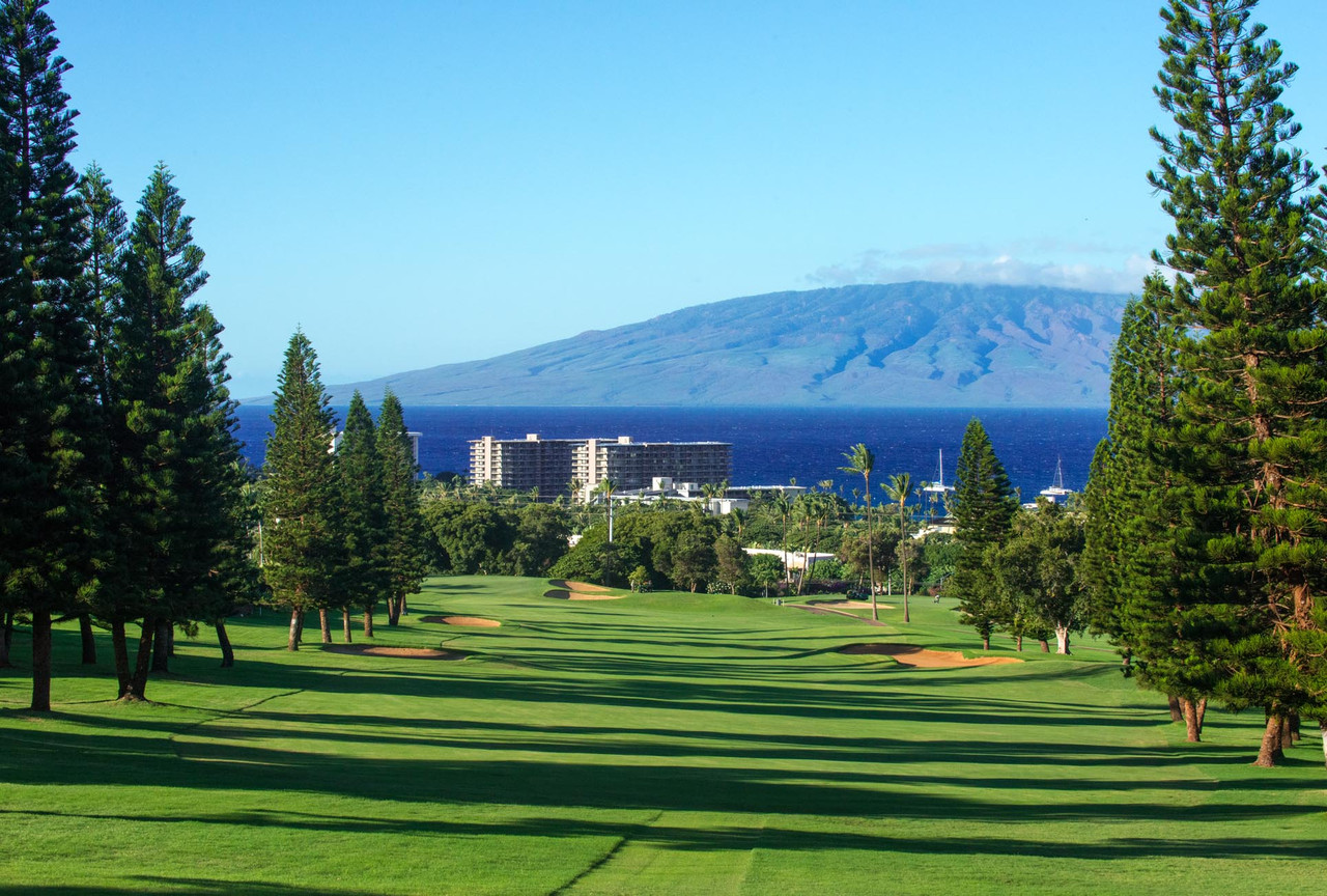 Kaanapali Royal Golf Course | Offering one of Maui's few ocean front holes | SAVE with the best golf on Maui with the Maui Golf Shop.