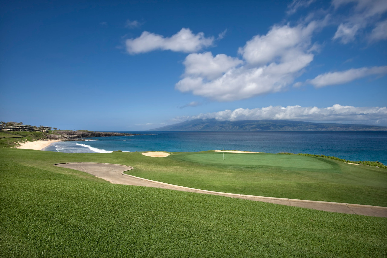 Kapalua Bay Course | Amazing huge ocean views with humpback whales in the backdrop at Kapalua Bay.  Book NOW and SAVE $10pp at Kapalua Bay Course | Maui Golf Shop