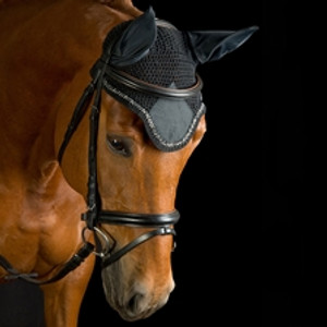 Constructed of 100% cotton crochet with nylon ears Attaches easily to bridle Available in a variety of colors and piping to match optional USG saddle pads