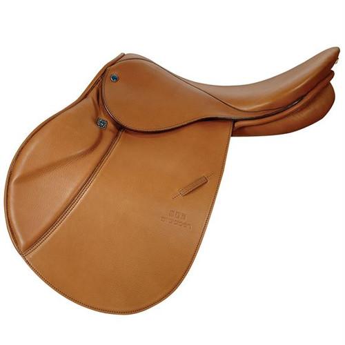 Stubben's most popular close contact jumping saddle 17.5 seat 32 cm gullet Narrow twist