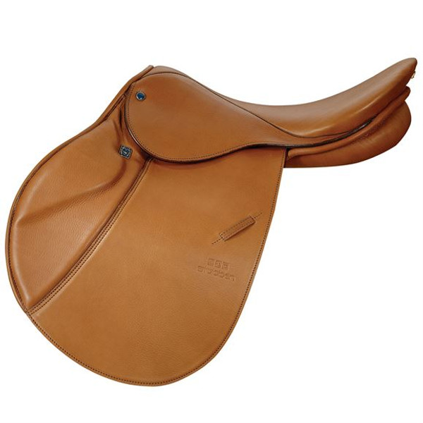 Stubben's most popular close contact jumping saddle 17.5 seat 32 cm gullet Narrow twist