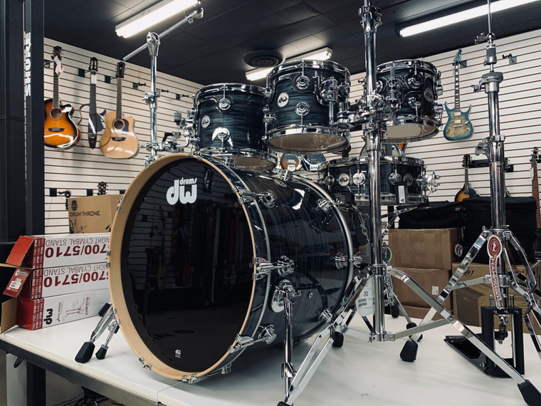 """DW Collectors Drums Maple Grey Oyster Fusion 22"""" Shell Pack Maple Drum Set"""