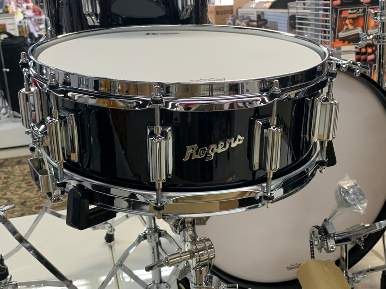 "Rogers Dyna-Sonic Black Lacquer 5"" x 14"" Classic Snare Drum w Beaver tail Lugs"