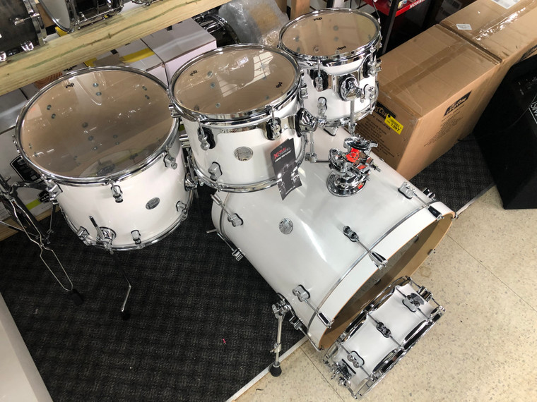 PDP DW Concept Maple Drum Set 22/10/12/16/14s  5pc Shell Pack Pearlescent WhiteGloss Lacquer