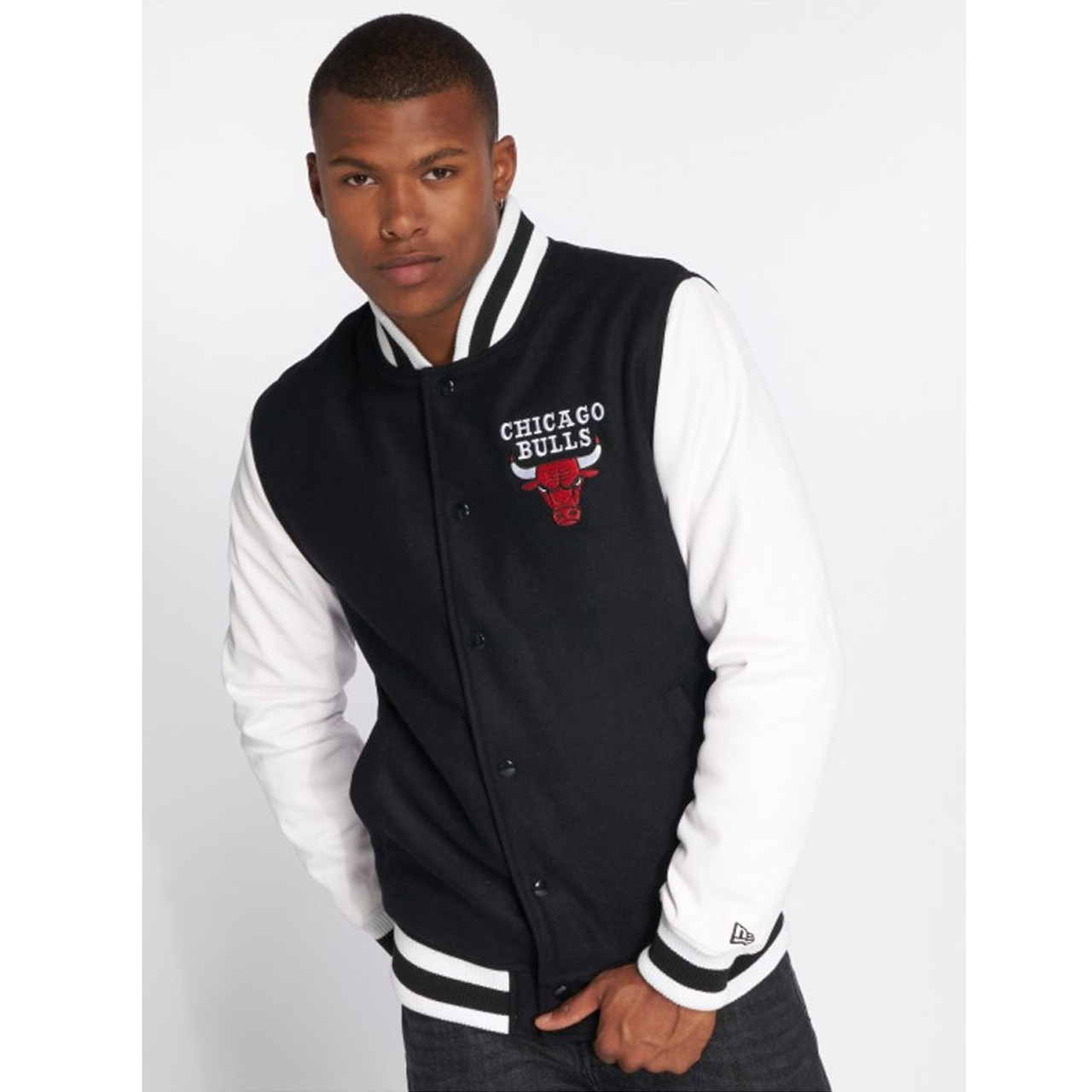 44459714652 NEW ERA Chicago Bulls NBA Contrast Varsity Jacket  black white