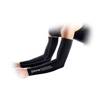SKINS Cycle Essentials Unisex Compression Arm Sleeves PAIR [black]