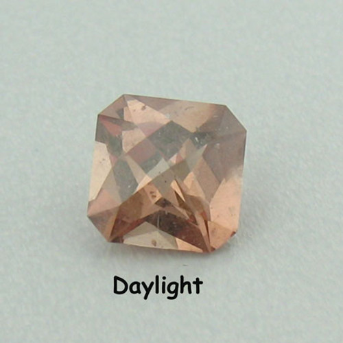 Rare and Mysterious color change garnet #IT-554