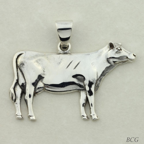 Jewel the Cow Pendant #TPD-4151