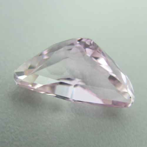Kunzite - Triphane #IT-589