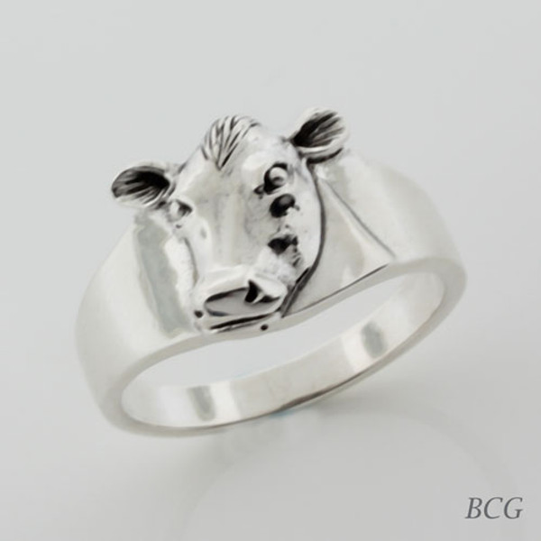 Eclipse the Moo-n Cow Ring TRI-1326
