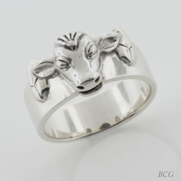 Moo-n Cow Ring TRI-1325