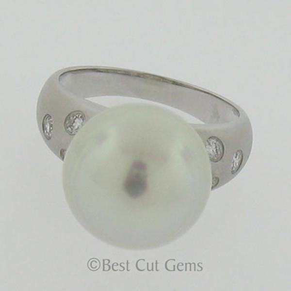 White South Seas Pearl and Diamond Ring