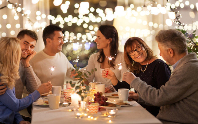 7 Tips for Throwing the Perfect Holiday Party