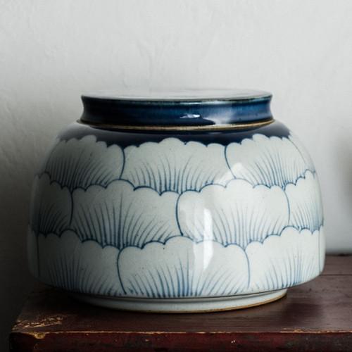 Qinghua Peony Ceramic Food Container Tea Caddy